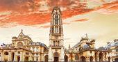 Church Saint-Germain-l'Auxerrois near the Louvre. Paris.France. — Stock Photo