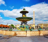 Fountain at Place de la Concord in Paris . France — Stock Photo