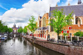 Amsterdam with canal in the downtown,Holland. — Foto de Stock