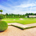 VERSAILLES FRANCE - SEPTEMBER 21 Beautiful garden  Versailles, F — Stock Photo #43100357