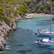 Many Tourists at the Bay of Cala Pi in Mallorca, Spain ( Baleari — Stock Photo