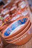 Kleurrijke keramische kommen in mallorca — Stockfoto