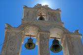 Campanario ortodoxos en la isla de santorini, Grecia — Foto de Stock