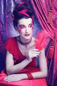 Mujer de rojo. — Foto de Stock