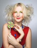 棒棒糖的女孩 — 图库照片