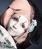 Panienka z wentylatorem — Zdjęcie stockowe