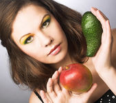 Woman with fruits — Stock Photo