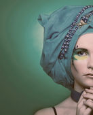 Young woman in blue turban — Photo