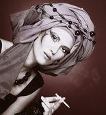 Rauchen-dame — Stockfoto