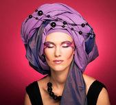 Retrato de mulher jovem — Fotografia Stock