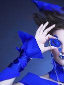 Femme en bleu — Photo