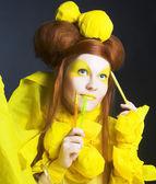 Girl in yellow. — Stock Photo