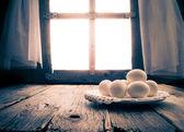 Old kitchen table rural hut morning egg — Stockfoto