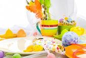 Ostern zusammensetzung tabelle geschirr person — Stockfoto