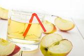 Healthy nutrition juice fresh apples — Stock Photo