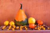 Still Life Fruit late years wooden crate — Stock Photo