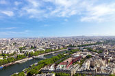 Aerial view of Paris architecture from the Eiffel tower. — Stock Photo
