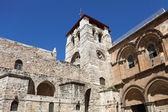 关于通过 dolorosa 在耶路撒冷圣墓大教堂 — 图库照片