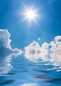 Sky background and water reflection — Stock Photo