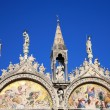 Saint Marks Basilica, Cathedral, Church Statues Mosaics Details — Stock Photo #19180069
