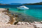 Pittoreske scène van rotsachtige adriatische strand — Stockfoto
