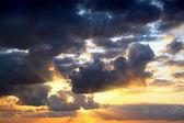 Stormy skies — Stockfoto