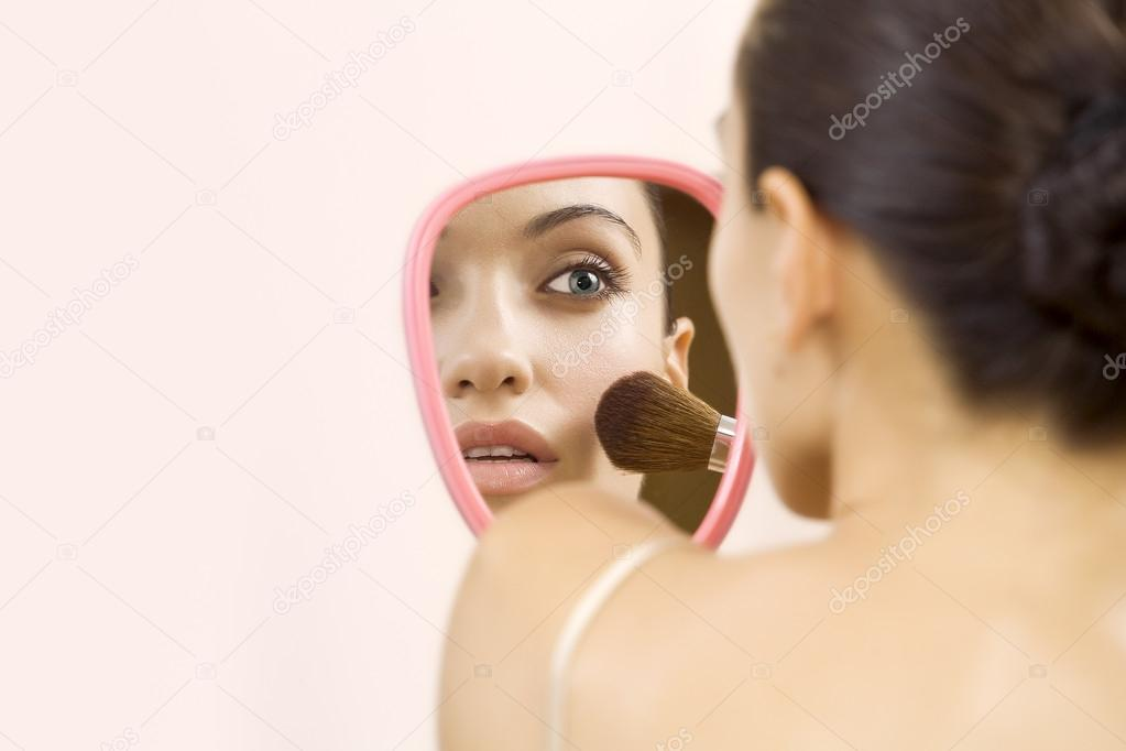 Portrait of nice young  gorgeous woman  on pink back — Stock Photo #13200512