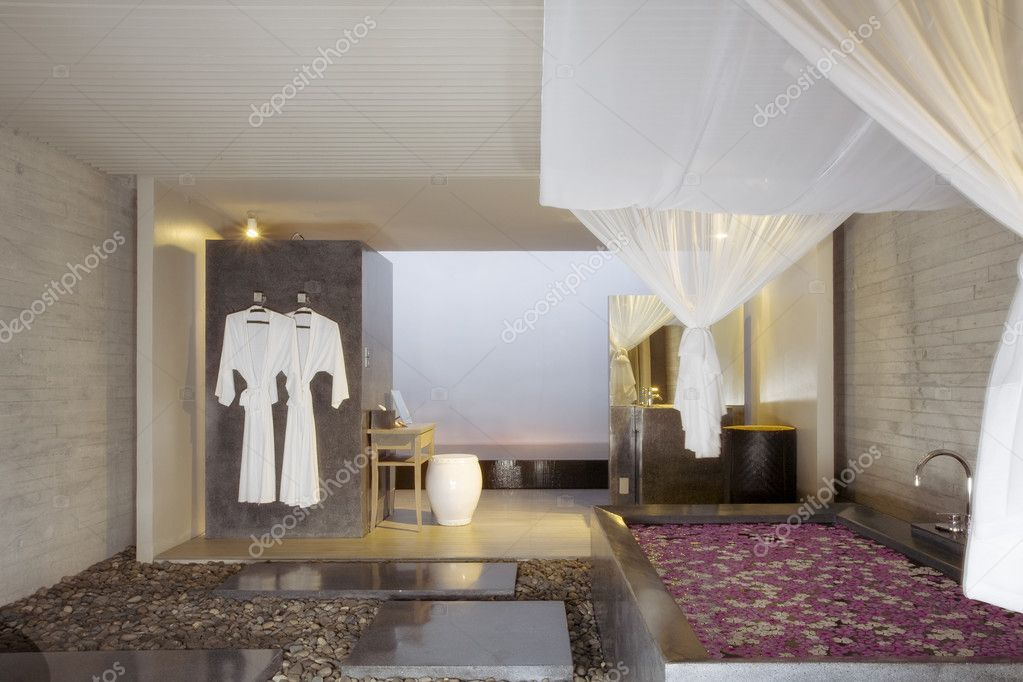 Panoramic view of nice modern style spa room — Stock Photo #14615319