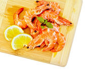 Shrimp with lemon and basil — Stock Photo