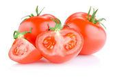 Dos tomate jugoso reducido a la mitad, aislado sobre fondo blanco — Foto de Stock