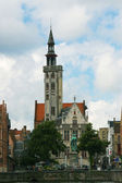 Jan van Eyckplein: flemish houses in Bruges, Belgium — Stockfoto