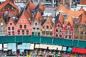 Telhados de casas flamengos em brugge, bélgica — Foto Stock