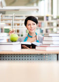Female student learns — Stock Photo