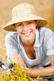 Ragazza in cappello di paglia — Foto Stock