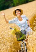 麦わら帽子の少女 — ストック写真