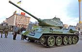 Wystawa wojskowej na kreshatik ulicy w kijowie, ukraina. — Zdjęcie stockowe