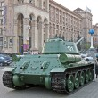 Military cars exhibition on Kreshatik street in Kiev, Ukraine. — Stock Photo
