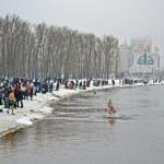 KIEV - JAN 19: Epiphany (Kreshchenya) morning in Kiev. — Stok fotoğraf