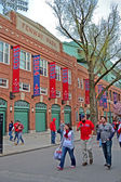 Fenway Park and Boston Red Sox fans on April 20, 2013 in Boston, USA. — Stok fotoğraf