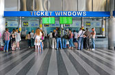 Pasengers buying the tickets on Central Railway Station in Kiev, Ukraine. — Stok fotoğraf