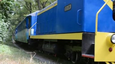 Locomotive on Kiev Childrens Railway in Kiev, Ukraine, — ストックビデオ