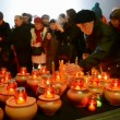 People with candles during Starvation (Holodomor) marks in Kiev, Ukraine. — Stock Video #36113667