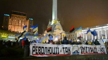 Meeting (Euromaidan) devoted to integration of Ukraine to the European Union. — Stock Video