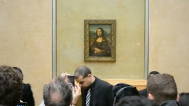 Mona Lisa (Gioconda, Jaconde) by Leonardo DaVinci, Louvre Museum, Paris, France. — Stok video