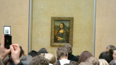 Mona Lisa (Gioconda, Jaconde) by Leonardo DaVinci, Louvre Museum, Paris, France. — Stock Video