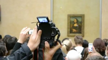 Gioconda (Mona Lisa, Jaconde) by Leonardo DaVinci, Louvre Museum, Paris, France. — Stok video