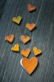 сердца из кожуры цитрусовых — Стоковое фото