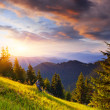 Last rays of the sun in the mountains — Stock Photo