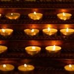 las velas encendidas — Foto de Stock