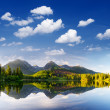 Foto Stock: Mountain lake in Tatra Mountains